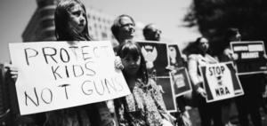 La voce buona della protesta, l'unica arma buona