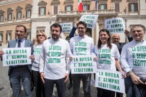 Legittima difesa da pistola, ecco che tornano i pistoleri d'Italia
