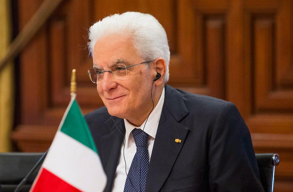 Mattarella conferma il bluff di Salvini: la legittima difesa sempre non esiste in uno Stato di diritto